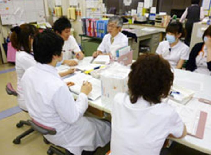 医師、看護師とのカンファレンス参加